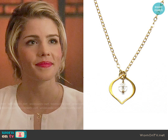 Brooklyn Designs Jorja Necklace worn by Felicity Smoak on Arrow