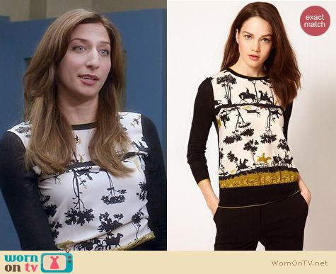 Brooklyn 99 Fashion: Ted Baker Cameo Sweater worn by Chelsea Peretti