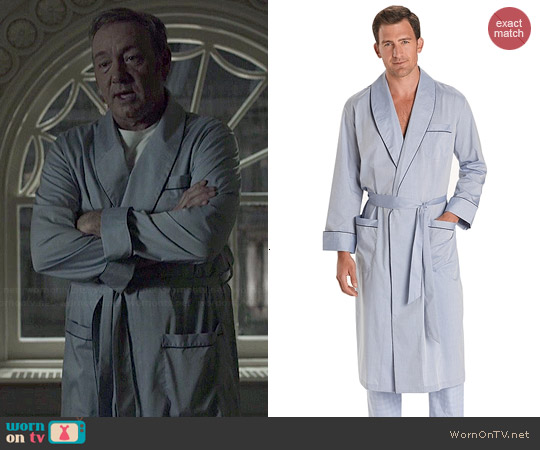 Brooks Brothers Wrinkle Resistant Chambray Robe worn by Kevin Spacey on House of Cards
