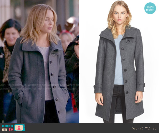 Burberry Brit Rushfield Coat worn by Leah Pipes on The Originals