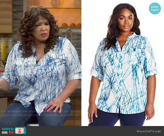 Calvin Klein Printed Roll-Sleeve top in Twilight / Cream worn by Kym Whitley on Young & Hungry