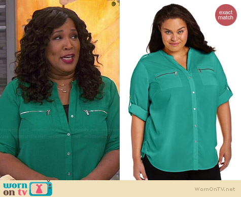 Calvin Klein Zip Roll Sleeve Shirt in Jadeite worn by Kym Whitley on Young & Hungry