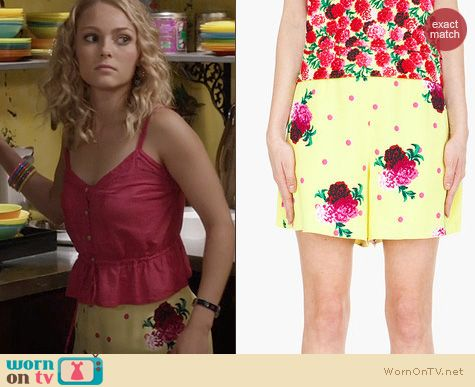 Carrie Bradshaw Fashion: Marc by Marc Jacobs Yellow Floral Polka Dot Shorts worn by AnnaSophia Robb