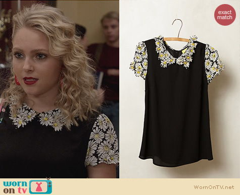 The Carrie Diaries Fashion: Anthopologie Fluttered Daisy Top worn by Carrie Bradshaw