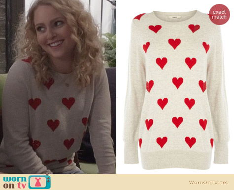 The Carrie Diaries Fashion: Oasis Heart Jumper worn by AnnaSophia Robb