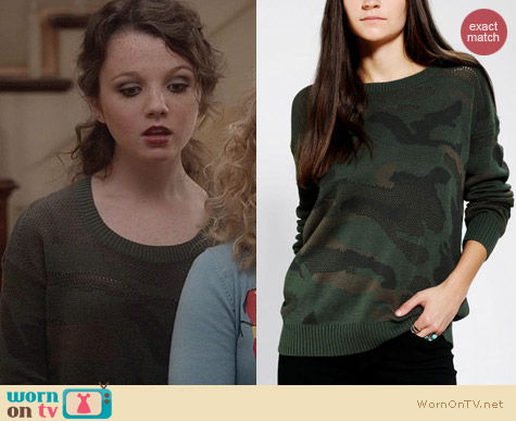 The Carrie Diaries Fashion: Sparkle & Fade Camo Sweater from Urban Outfitters worn by Stefania Owen