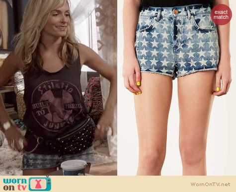 The Carrie Diaries Fashion: Topshop Denim Star Shorts worn by Lindsey Gort