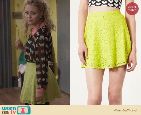 The Carrie Diaries Fashion: Topshop Lime Lace Skater Skirt worn by Carrie Bradshaw