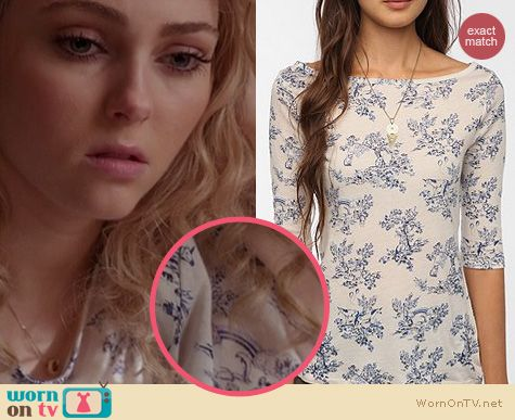 The Carrie Diaries Style: Urban Outfitters BDG 3/4 sleeve boatneck tee with unicorn rainbow print worn by AnnaSophia Robb