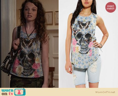 Carrie Diaries Fashion: Urban Outfitters Skull Muscle tee by Doe worn by Stefania Owen
