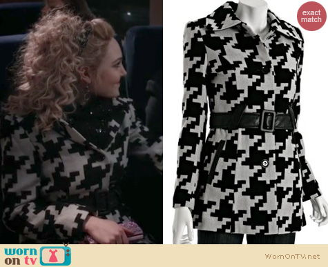 The Carrie Diaries Style: Via Spiga Houndstooth coat worn by AnnaSophia Robb
