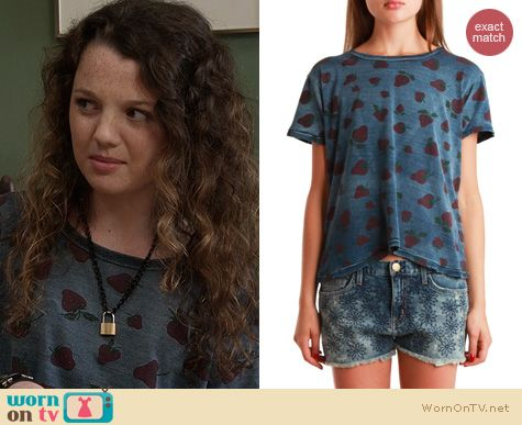 The Carrie Diaries Style: Current/Elliot Strawberry print Freshman tee worn by Stefania Owen
