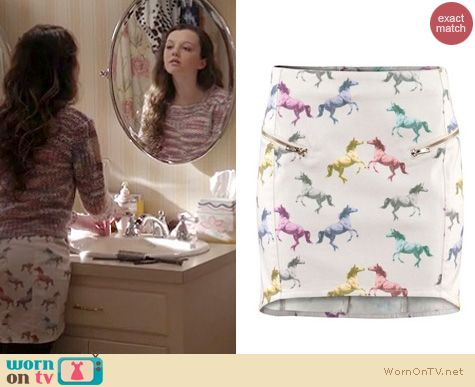 The Carrie Diaries Style: H&M Horse/Unicorn skirt worn by Stefania Owen