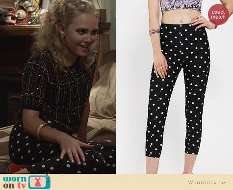 The Carrie Diaries Style: Kimchi Blue High Rise Polka Dot Pinup Pants worn by Carrie Bradnshaw