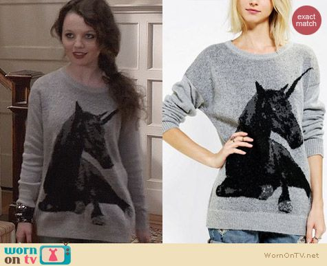 The Carrie Diaries Style: Sparkle & Fade Unicorn Sweater worn by Stefania Owen