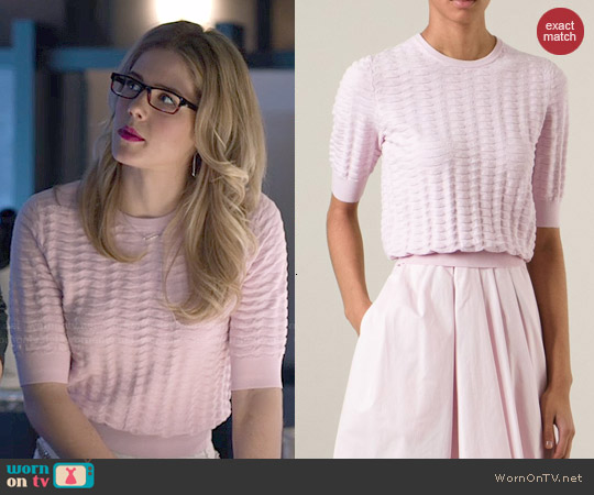 Carven Cropped basket knit sweater worn by Emily Bett Rickards on Arrow