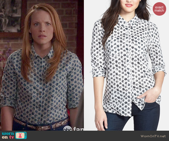 Caslon Printed Long Sleeve Cotton Blouse worn by Katie Leclerc on Switched at Birth
