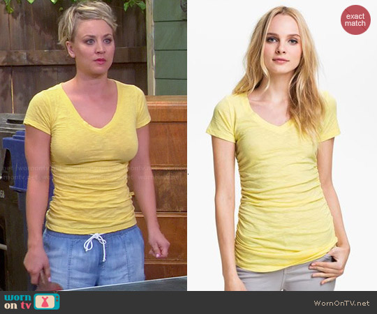 Caslon Shirred V-neck Tee worn by Penny on The Big Bang Theory