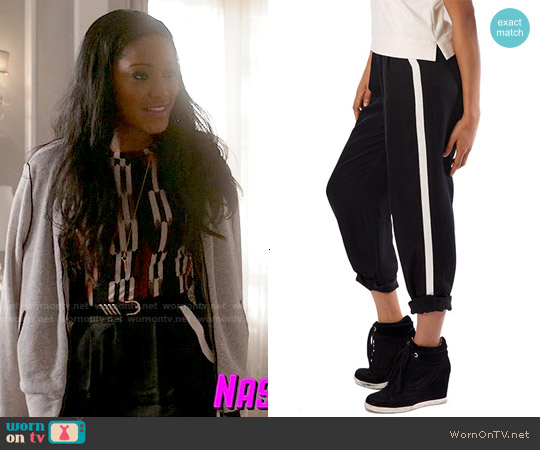 Chan + Krys Bedford Pants worn by Zayday Williams on Scream Queens