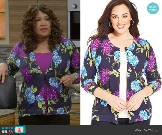 Charter Club Plus Size Long-Sleeve Floral-Print Cardigan worn by Kym Whitley on Young & Hungry