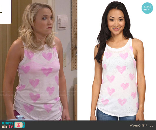 Chaser Heart Print Tank Top worn by Emily Osment on Young & Hungry