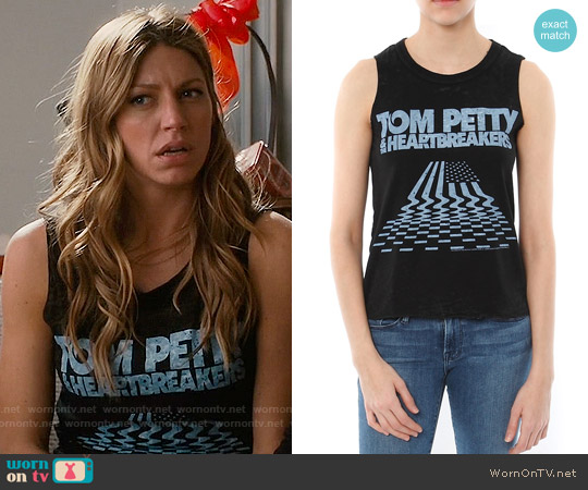 Chaser Tom Petty Muscle Tee worn by Jes Macallan on Mistresses