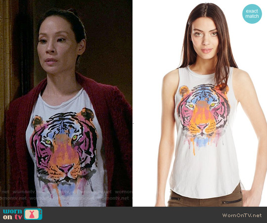 Chaser Watercolor Tiger Sleeveless Tee worn by Lucy Liu on Elementary