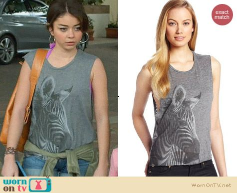 Chaser Zebra Vintage Crop Tank worn by Sarah Hyland on Modern Family
