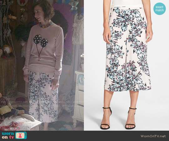 Chelsea 28 Floral Pull-on Culottes worn by Carol Pilbasian on Last Man On Earth