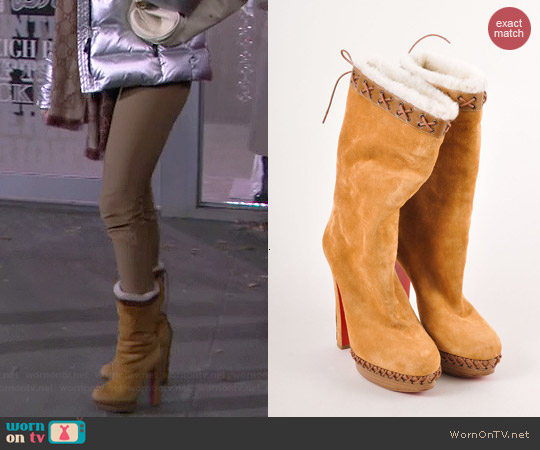 Christian Louboutin Step N Roll Boots worn by Beth Behrs on 2 Broke Girls