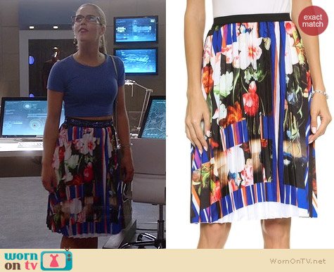 Clover Canyon Grecian Bouquet Pleated Skirt worn by Emily Bett Rickards on The Flash