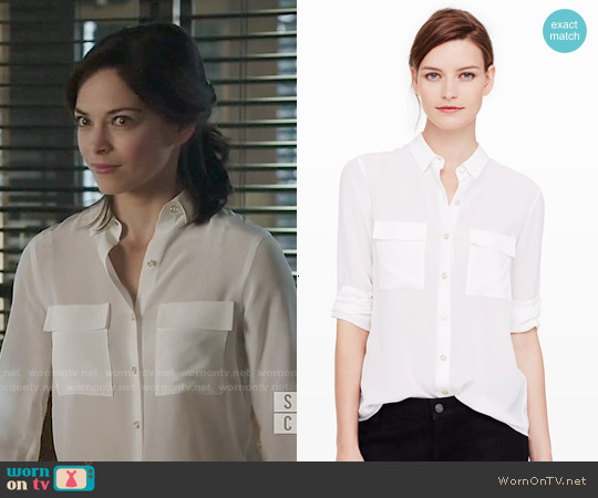 Club Monaco Kaylan Shirt worn by Kristin Kreuk on Beauty & the Beast