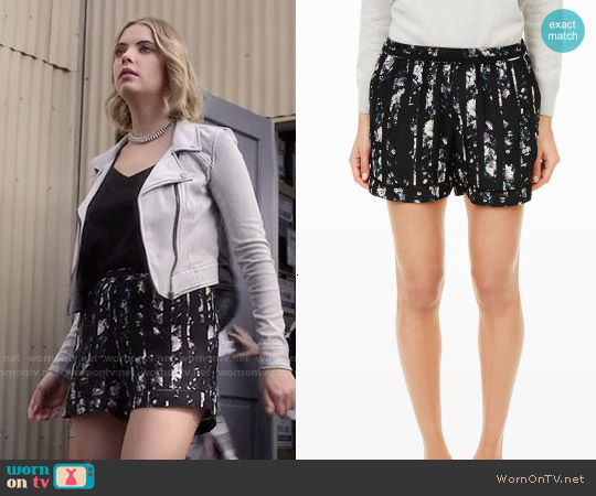 Club Monaco Ellery Shorts worn by Ashley Benson on PLL