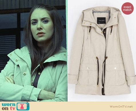 Fashion of Community: Zara Quilted Parka worn by Alison Brie