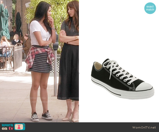 Converse Chuck Taylor Low Sneakers worn by Emily Fields on PLL