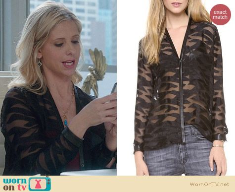 The Crazy Ones Fashion: Helmut Lang Convex Concealed Placket Blouse worn by Sarah Michelle Gellar