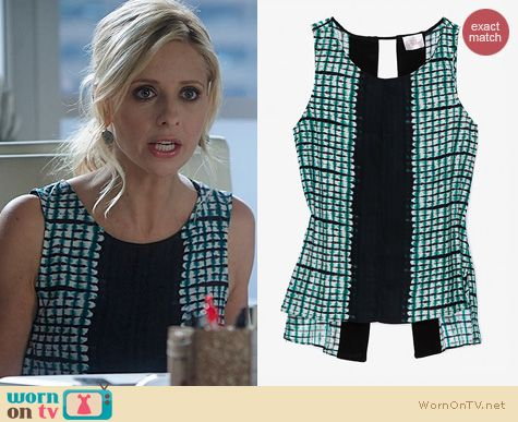 The Crazy Ones Fashion: Parker Print Slit Back Top worn by Sarah Michelle Gellar