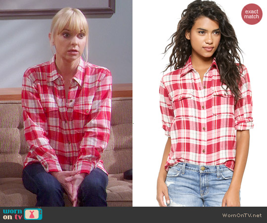 Current/Elliott Perfect Shirt in Omaha Plaid worn by Anna Faris on Mom