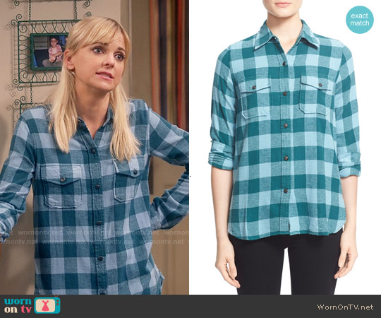 Current/Elliott The Perfect Shirt in Sycamore Road Trip Plaid worn by Anna Faris on Mom