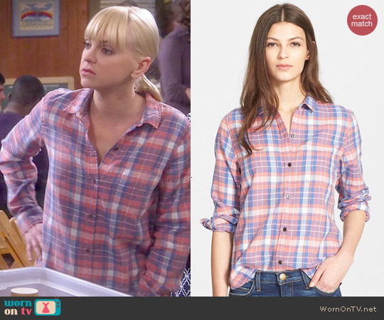 Current/Elliott The Slim Boy Shirt in Stardust Plaid worn by Anna Faris on Mom