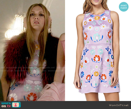 Cynthia Rowley Floral Embroidered A-Line Dress in Orchid worn by Billie Lourd on Scream Queens