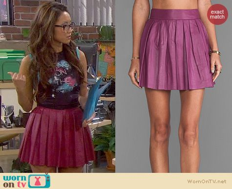 Dads Fashion: Alice + Olivia Pleated Leather Skirt in Mulberry worn by Brenda Song