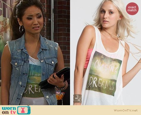 Dads Fashion: Chaser Chasing Dreams Tee worn by Brenda Song