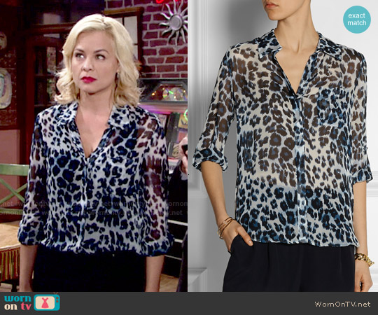 Wornontv Avery S Blue Leopard Print Blouse On The Young