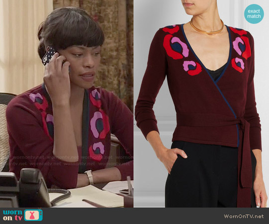 Diane von Furstenberg Intarsia Wool Wrap Cardigan worn by Sufe Bradshaw on Veep