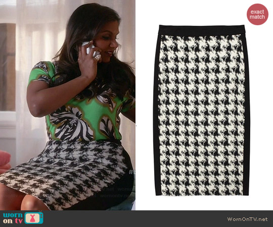 DKNY Houndstooth Skirt worn by Mindy Kaling on The Mindy Project