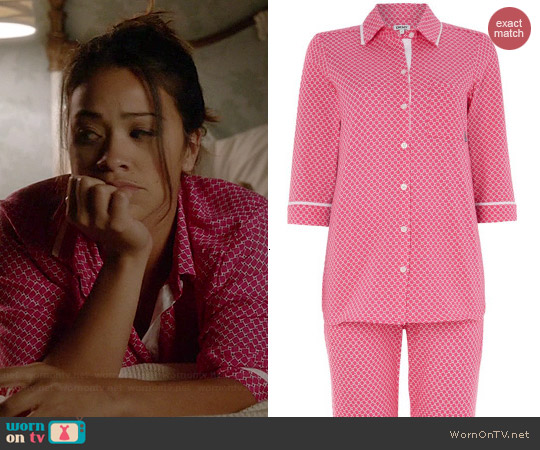 DKNY Printed Capri Pajama Set worn by Gina Rodriguez on Jane the Virgin