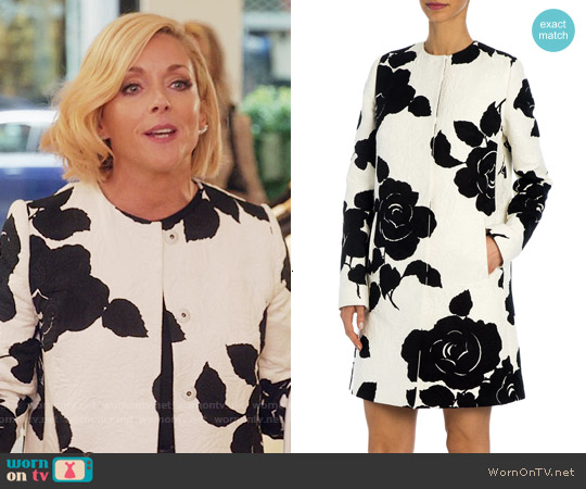 Dolce & Gabbana Rose Jacquard Coat worn by Jane Krakowski on Unbreakable Kimmy Schmidt