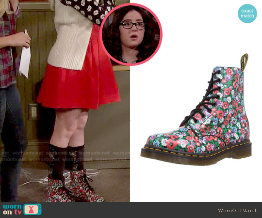 Dr Marten Floral Pascal Boots in Black Poppy worn by Delia Delfano on IDDI