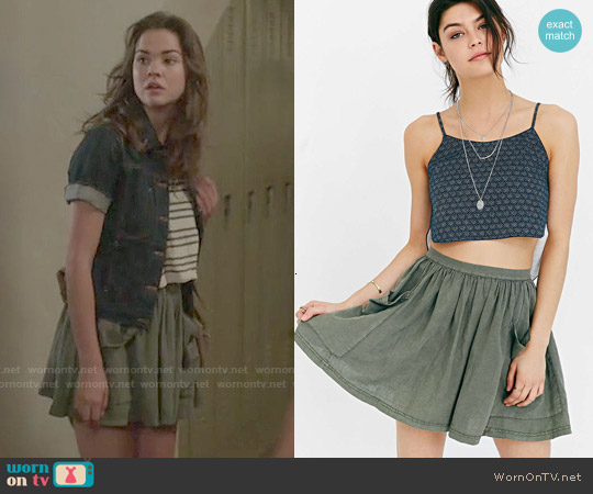 Ecote Debbie Pocket Mini Skirt worn by Callie Jacob on The Fosters